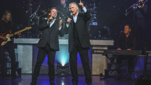 the-righteous-brothers-in-concert